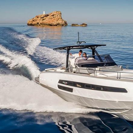 Best Boats award ide u ruke Invictus 370 GT